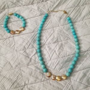 Turquoise beaded necklace and bracelet set